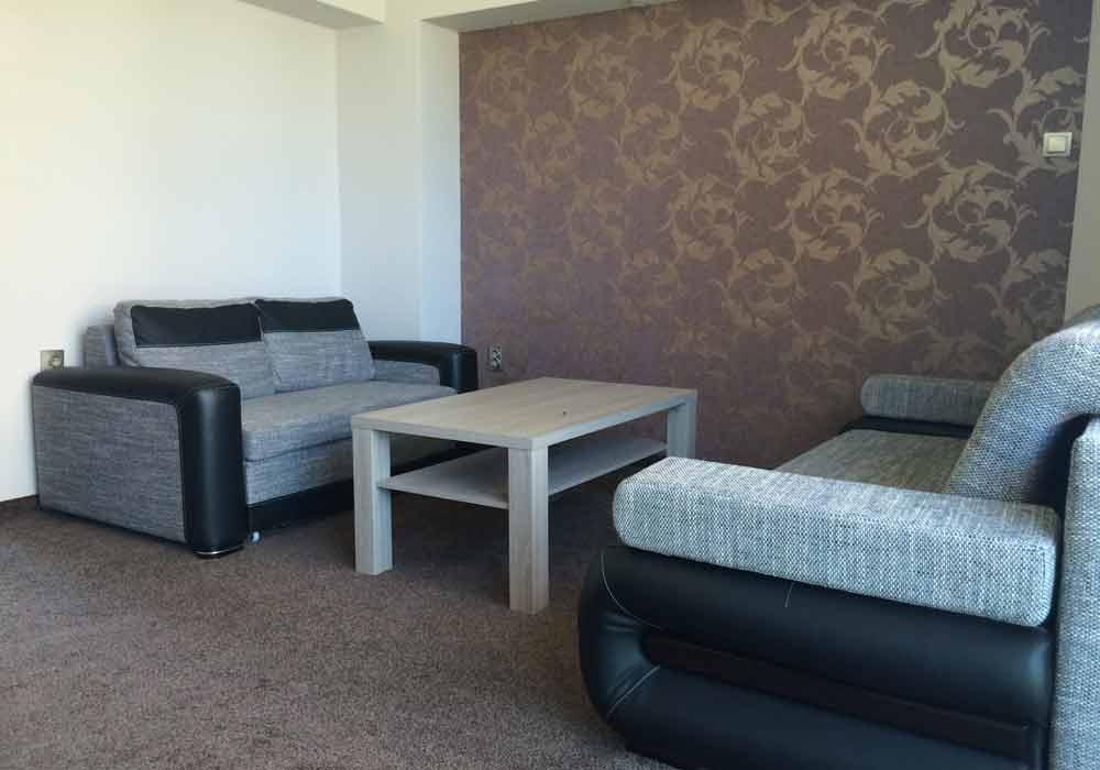 Apartament Typu C z dużą sypialnią i dużym salonem.