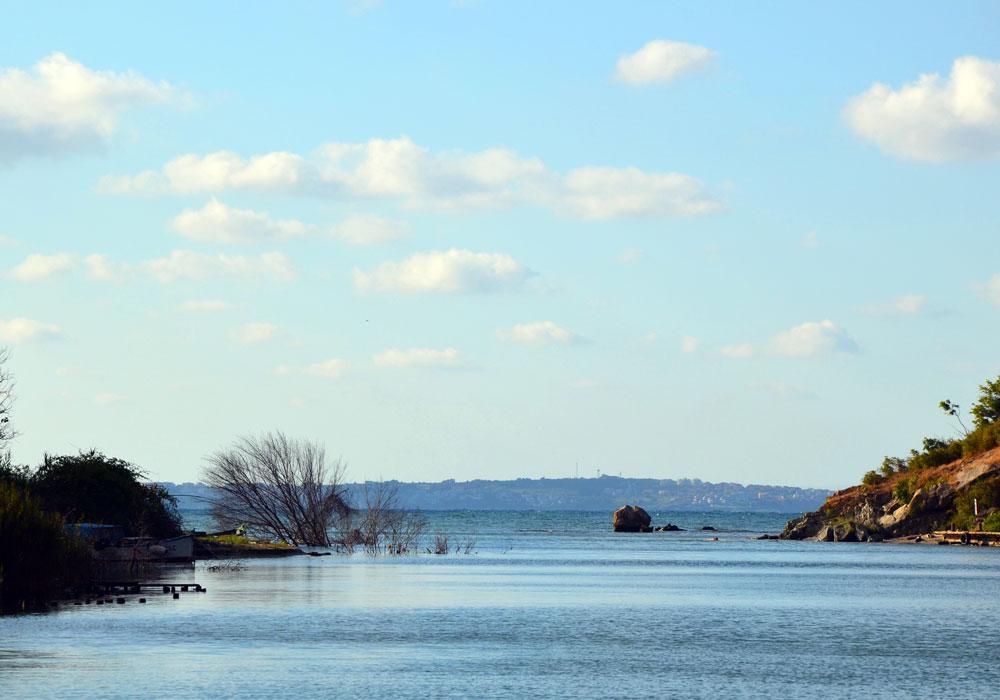 Rejs po rzece Ropotamo w Parku Narodowym, aż do ujścia do Morza Czarnego, fot. Andrzej Nawrocki.