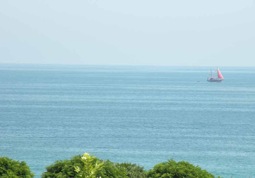 Widok na Morze Czarne z górnego piętra euroHOTEL Primorsko, fot. T. Gajos.